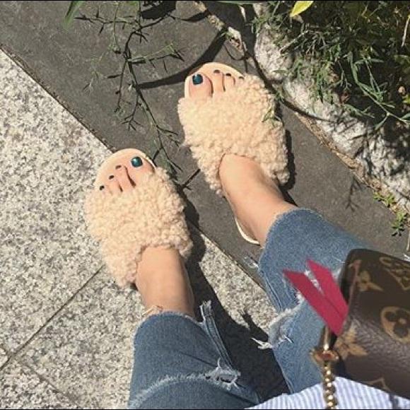 3e614be6422 Ugg Joni Shearling Slide Sandals NWT